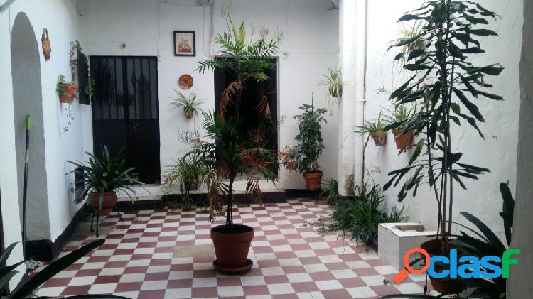 ¡¡ casa con varias viviendas, ideal para apartamentos turisticos !!
