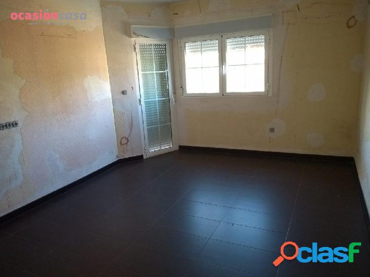 Precioso piso semi-reformado con cochera, alquiler con opción a compra!!
