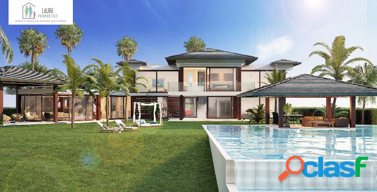 Impresionante villa, parcela llana de 2000m2, piscina infinity, vistas al mar-africa y gibraltar