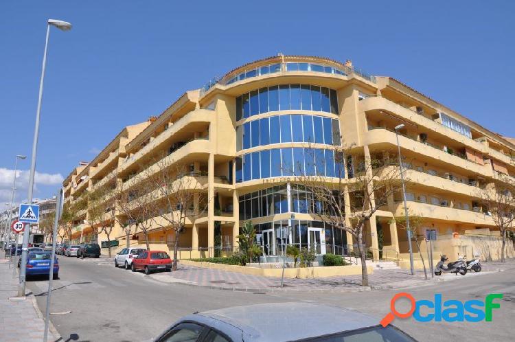 Magnífico y estupendo piso, con muy buena ubicación y muy bien comunicado, situado en los pacos.