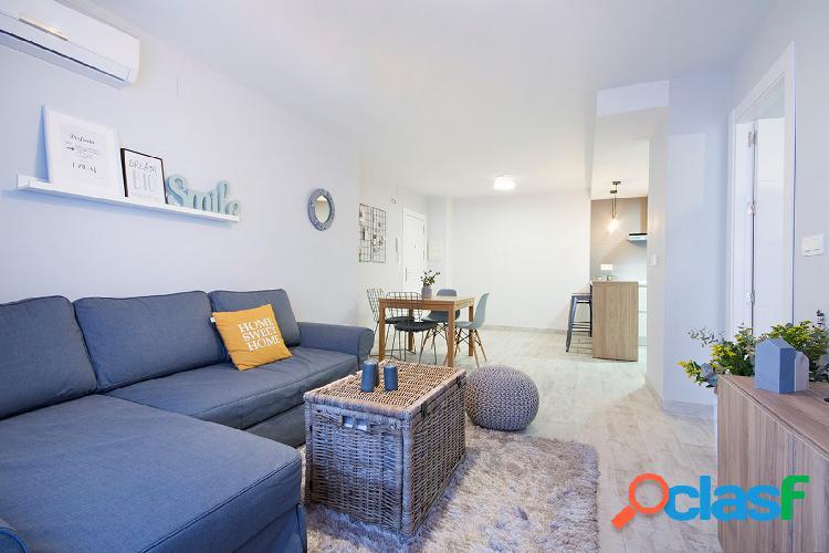 Apartamento en alquiler de diseño en pleno centro de Granada 1