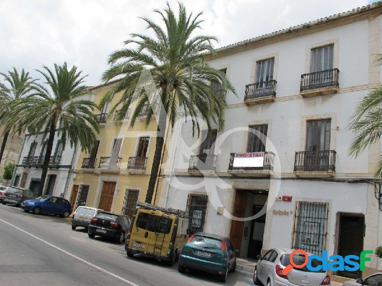 Casa con potencial en el Pueblo, Jávea