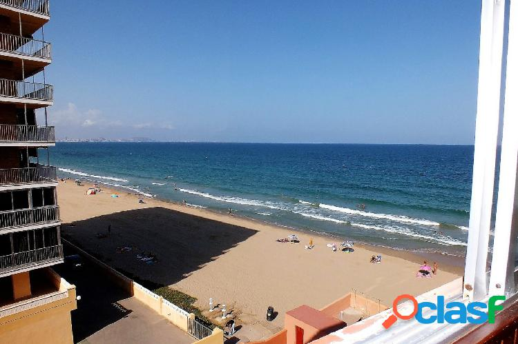 Estudio con vistas al mar en primera linea de playa con parking