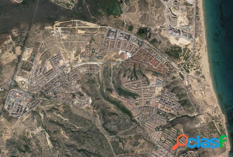 Parcela de 675m2 para construccion de chalet hasta 2 alturas mas semi-sotano en Gran Alacant