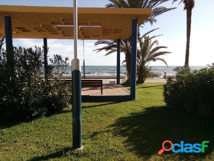 Fantástica Villa en primera linea de playa en Torrox-Costa. TORROX-COSTA.