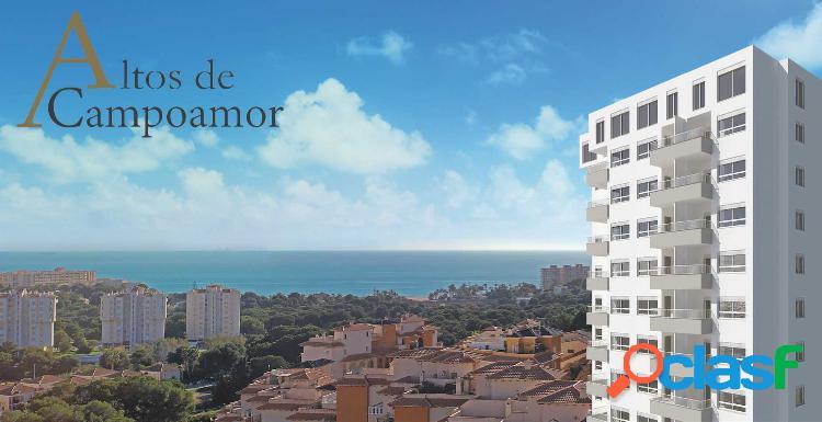 Nuevo apartamento con vistas al mar.