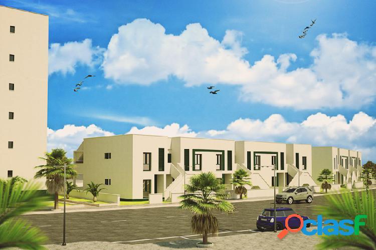 Bungalow de 2 dormitorios en mil palmeras, alicante, costa blanca