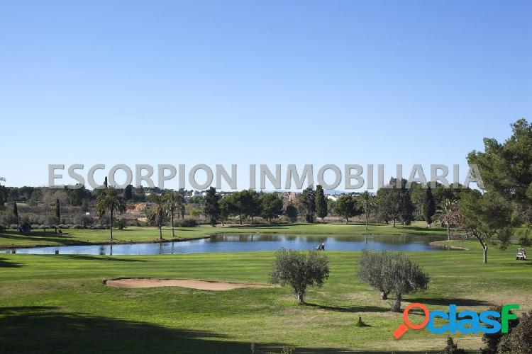 Parcela en venta en primera línea de golf en torre en conill