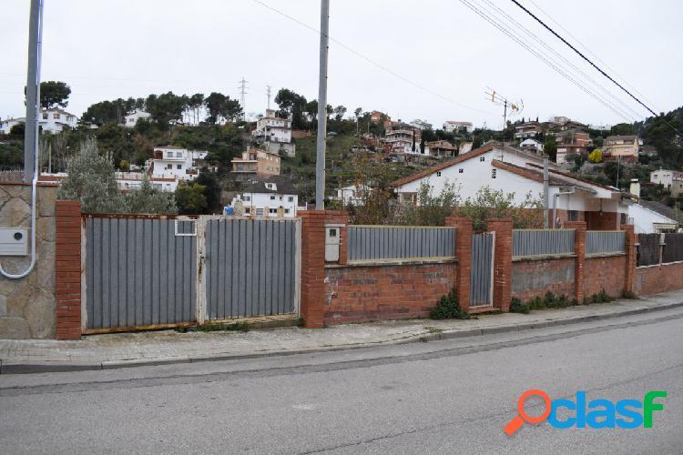Terreno urbanizable de 500m2 en la urbanización can castany