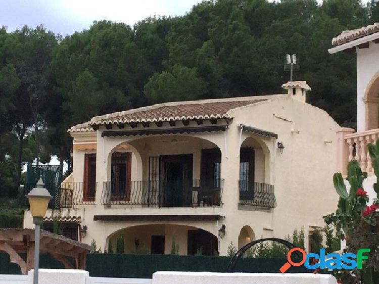 Villa a 400 m de la playa moraira