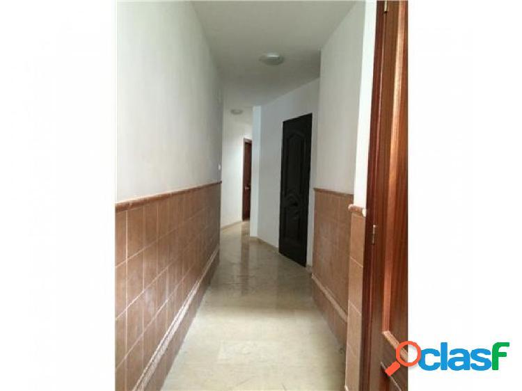 ¡Estupendo piso situado en la zona centro de Antequera! 2