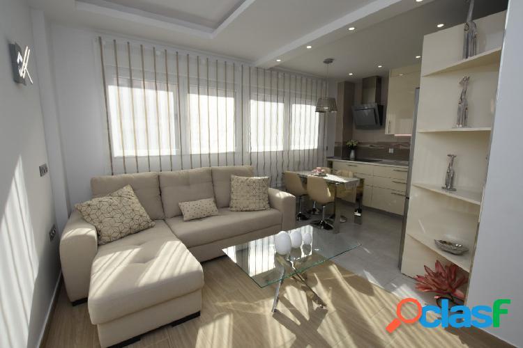 Apartamento renovado y moderno.