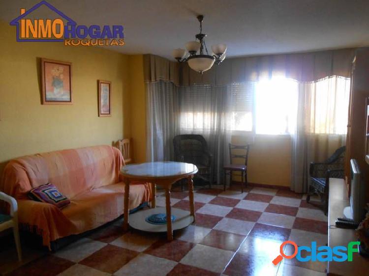 Céntrico piso muy amplio y excelente calidad. ubicación privilegiada. agotadas propiedades en zona.