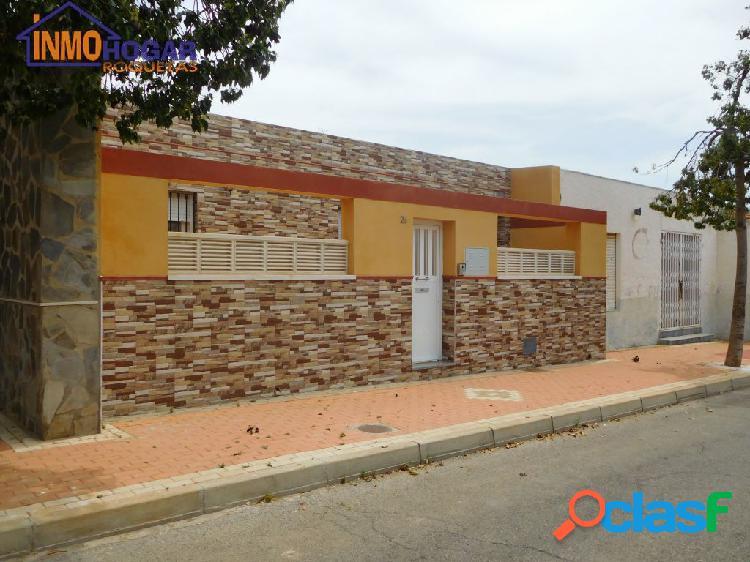 CASA PLANTA BAJA CON 600 M2 NUEVA CONSTRUCCIÓN Y LOCAL COMERCIAL 1