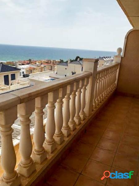 Adosado con vistas al mar y amplias terrazas en gran alacant