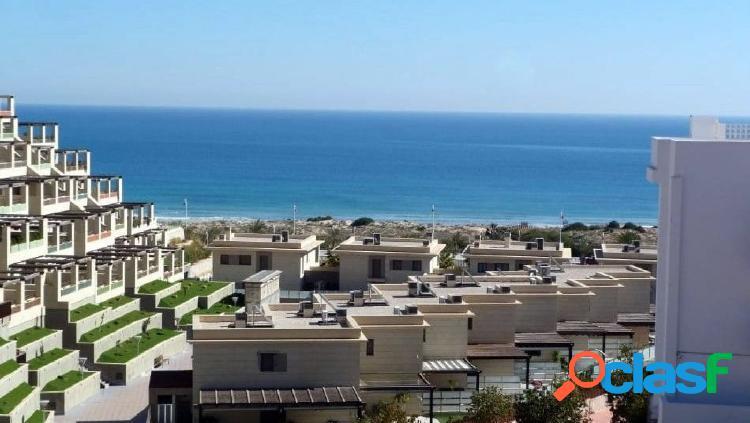 Apartemento de lujo con vistas al mar