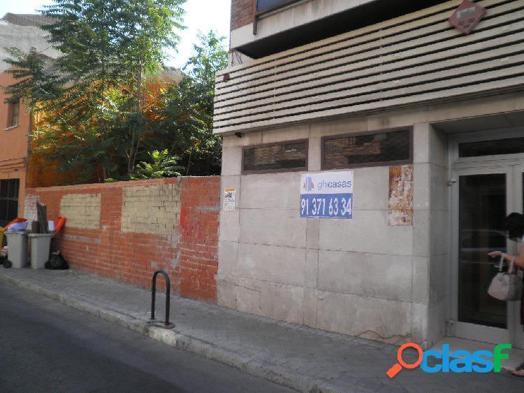 Local comercial en venta y alquiler en barrio de numancia, madrid