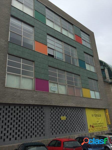 Edifico de obra nueva con local comercial, oficinas, y plazas de garajes en venta en madrid.
