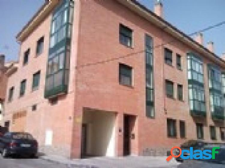 Plazas de garaje disponibles, en barrio de barajas, madrid.