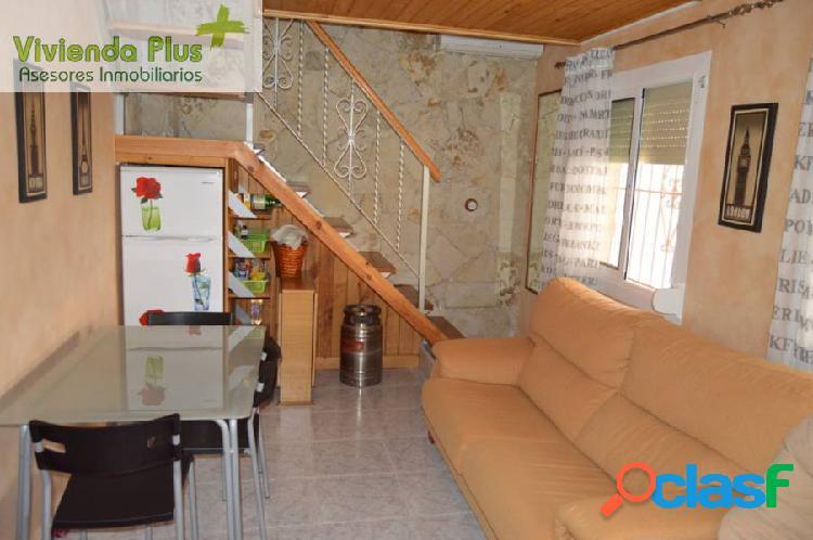 En venta bungalow con muebles en zona la marina de elche
