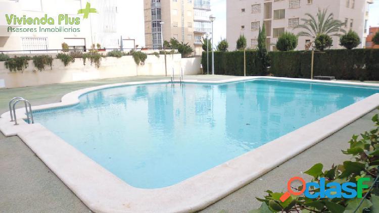 Apartamento en arenales del sol en urbanización con piscina y garaje incluido