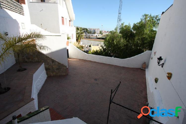 Bonita casa adosada situada en nerja, en la tranquila zona conocida como el condal