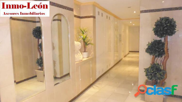 Se vende piso en zona centro de de elche.