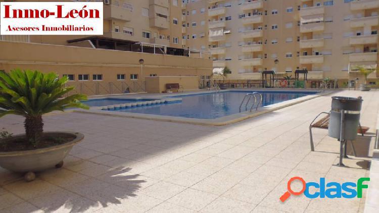 Vende piso zona cortes valencianas, urbanizacion con piscina y plaza de garaje