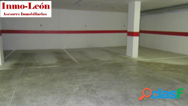 Se venden plazas de garaje a estrenar en zona gasolinera mora.