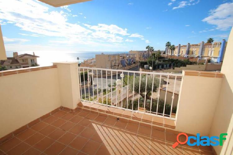 Apartamento con vistas al mar en aguamarina