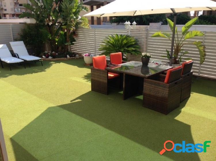 Espectacular apartamento en urbanización 1ªlínea de playa con 160 metros de jardín y terraza