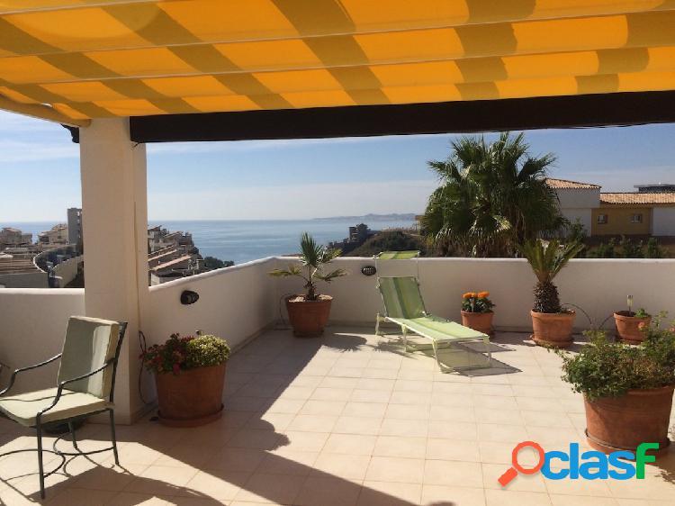 Lujoso piso con 64 m2 de terraza y vistas panorámicas