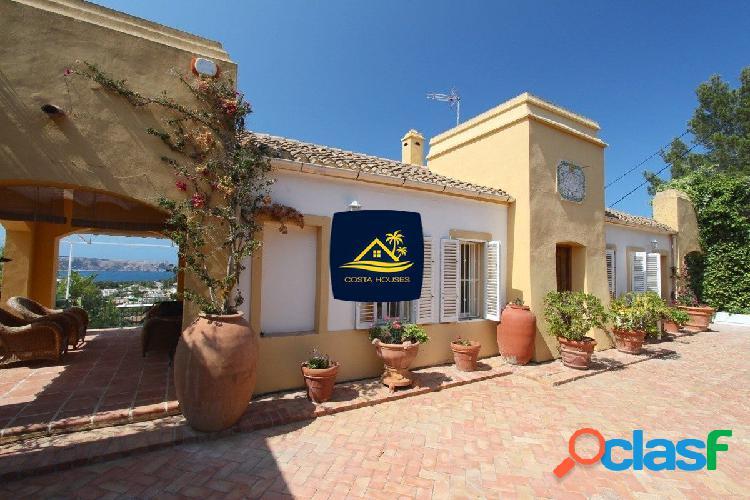 Magnifica villa de 6 dorm con espectaculares vistas al mar en todas las estancias, trencall · javea