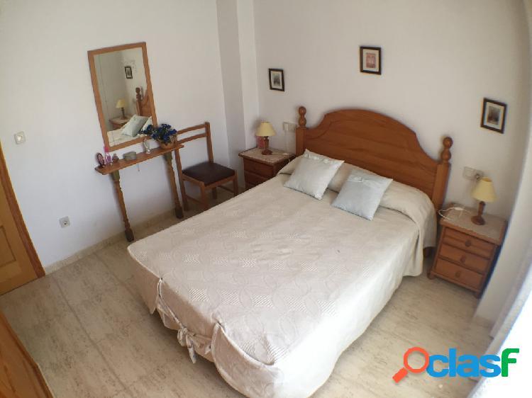Bonito piso de 2 dormitorios, con terraza, a 150m de la playa en una zona tranquila de Guardamar. 2