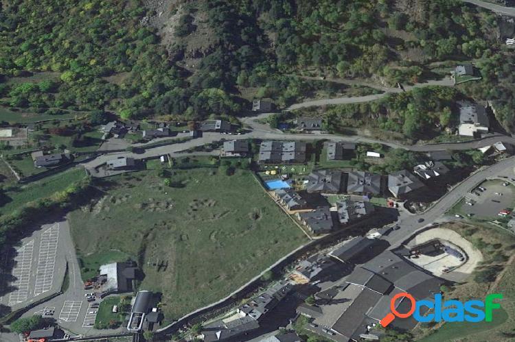 Terreny per edificar prop del funicular