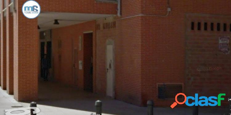 Se vende local comercial en el paseo de Sandua en San Jorge (Pamplona)