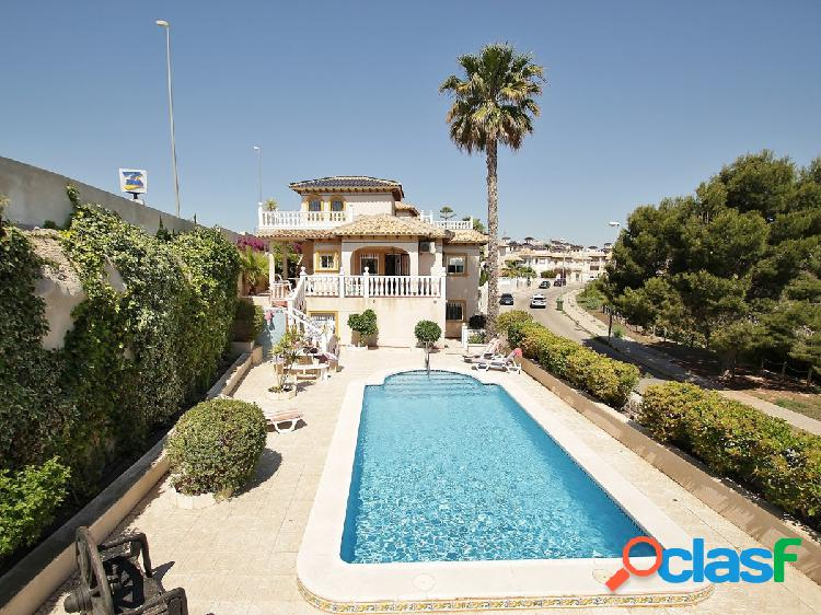 Chalet independiente en playa flamenca - orihuela costa