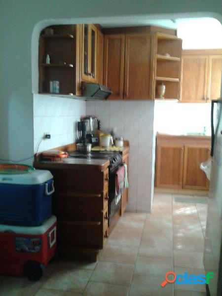 Cómodo apartamento en guatire - venezuela