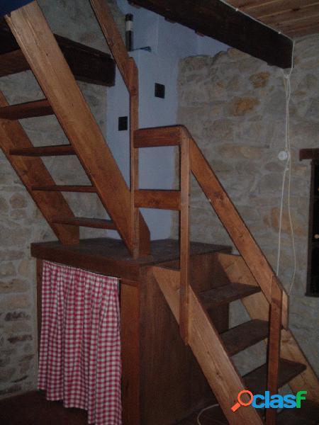 Antigua casa de piedra el entrego
