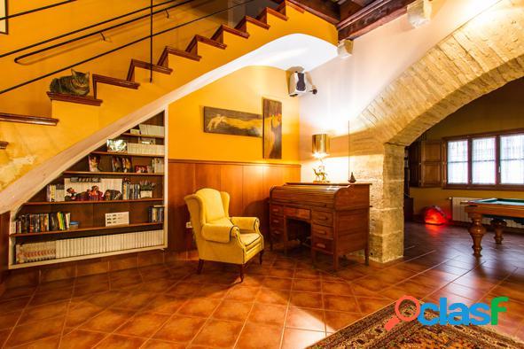 Magnifica casa medieval en pleno nucleo urbano a 10 min de la playa saler en valencia