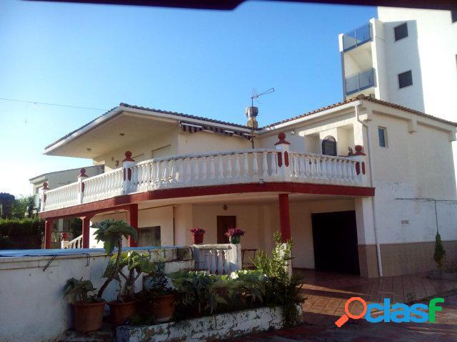 Casa familiar en venta a 100m del mar en bellreguart
