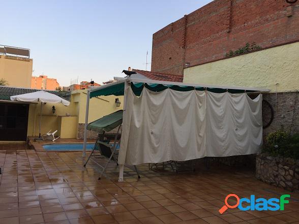 Casa en venta en el centro de pineda de mar, barcelona