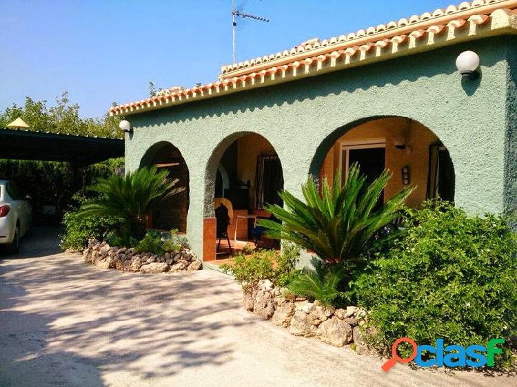 Chalet ubicado a 70 pasos de la playa en venta en oliva, valencia
