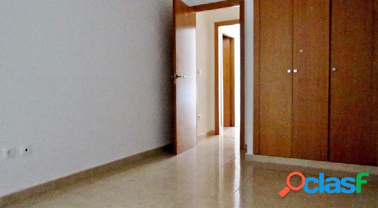 Piso en venta en Av. de Pablo Ruiz Picasso en Vinaroz, Castellón 1