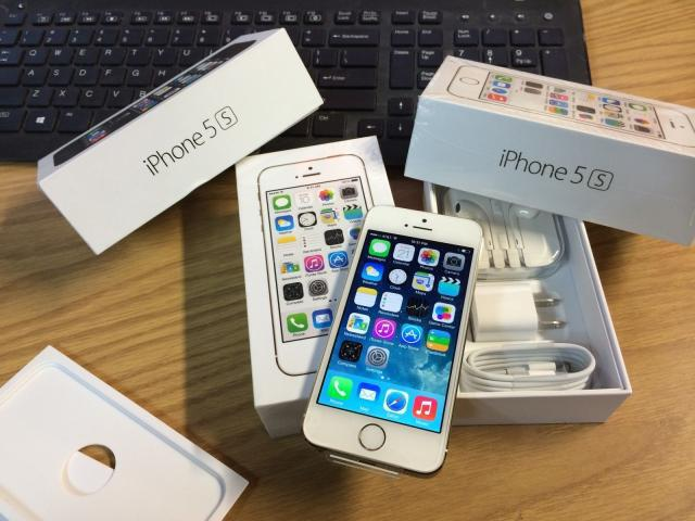 Brand new apple iphone 5s//samsung note 3
