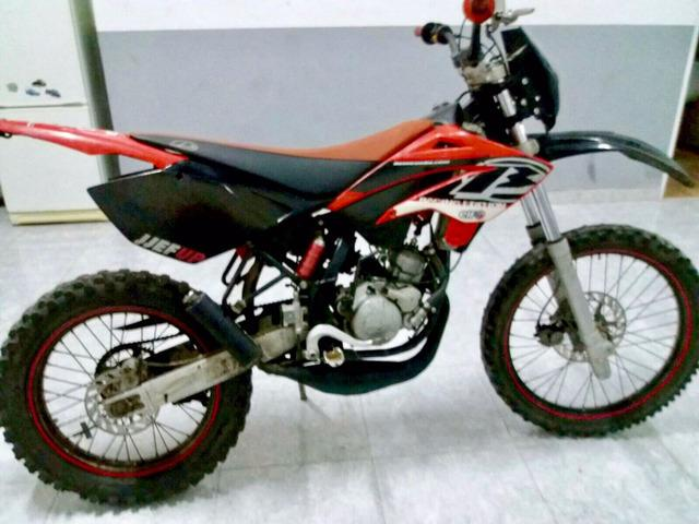 Moto de cross beta rrt