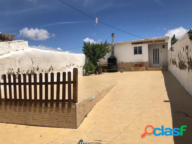 Bonita casa rural a la venta en tobarra (albacete)