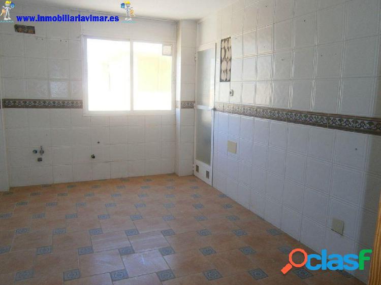 Gran piso de 4 dormitorios junto a Torrelaguna, El Ejido