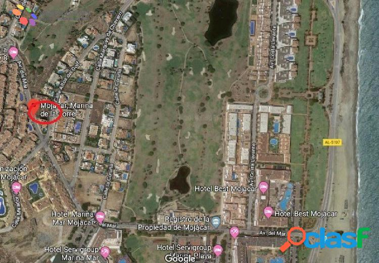 Magnifica parcela urbana en urbanizacion de lujo