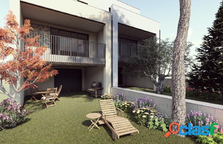 Promocion obra nueva casa unifamiliar con jardin en sant marti de tous